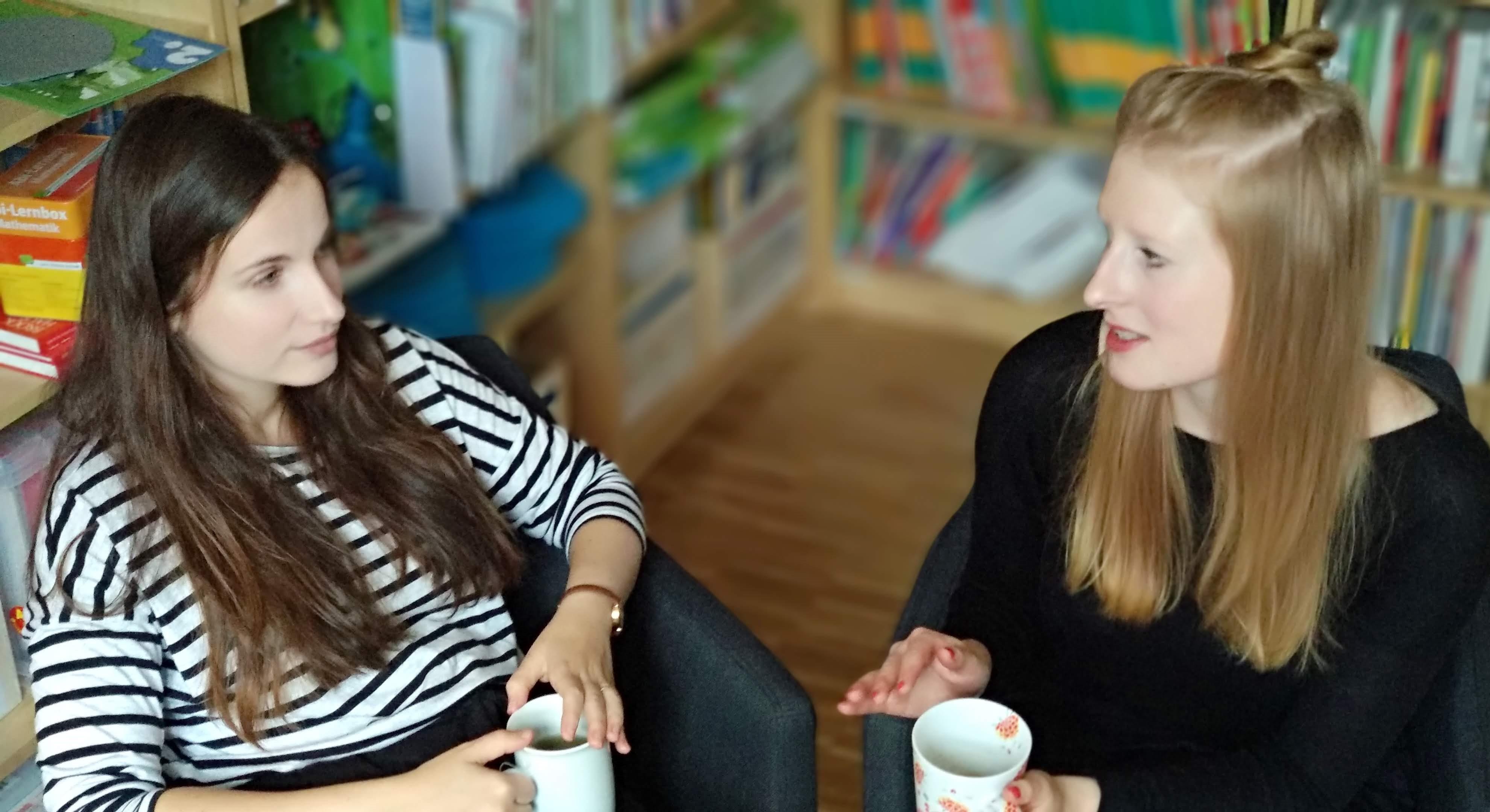Projektkoordinatorinnen Laura Benary von Kitas im Kiez und Franziska Büttner von Zukunft Kita
